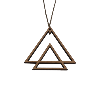 collier-triangles-emboites-details